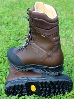 1cd2cc7c9895 Vysoká obuv BOSP S14168 Squad WX empty